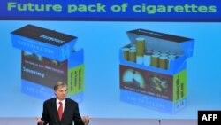 Comisarul european pentru sănătate Tonio Borg vorbește presei despre Directiva produselor din tabac a Comisiei Europene, Bruxelles, 19 decembrie 2012