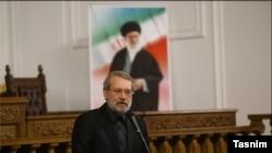 گفتگوی رضا ولی زاده با احمد علوی،استاد اقتصاد در سوئد در مورد انتقاد لاریجانی از وضعیت اقتصادی ایران