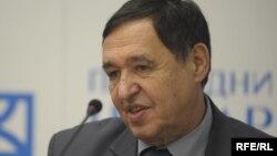 Nebojša Atanacković: Neophodno smanjiti finansijske obaveze