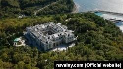 Вид с воздуха на «дворец Путина».