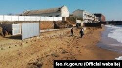 Пляж селища Приморське під Феодосією