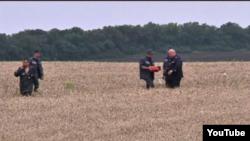 Поисковая операция на месте падения малазийского самолета, Донецкая область, Украина.