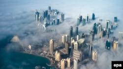 Столиця Катару з висоти пташиного польоту. Доха, лютий 2014 року