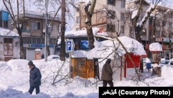 Heavy snowfall has left thousands stranded and many more without power in northern Iran. February 12, 2020