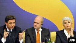 Pahor i Kosor na potpisivanju sporazuma