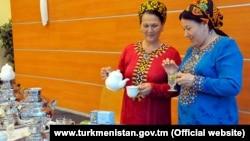 Türkmenistanyň Saglyk ministrligi dermanlyk ösümliklerden demlenen çaý içmegi maslahat berýär.