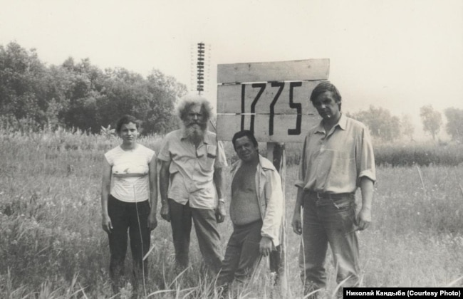 Participants in the 1989 expedition to Nazinsky by the human rights group Memorial