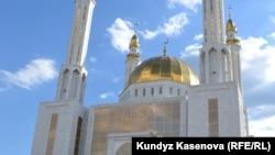 Aktobe's central mosque (file photo)