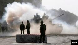 Російський танк поблизу Горі, Грузія. Серпень 2008 року