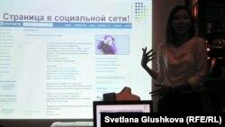 Волонтер Гульшат Мухитдинова. Астана, 24 қыркүйек 2012 жыл.