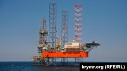 Самоподъемная буровая установка «Петр Годованец» предприятия «Черноморнефтегаз»