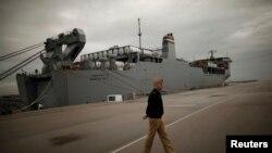 Nava americană Cape Ray la baza Rota, din apropiere de Cadiz, Spania.