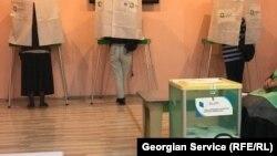 Большинство оппозиционных сил заявляют, что недосчитываются своих голосов