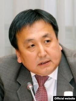 Қирғизистон парламентининг янги спикери Асилбек Жээнбеков.