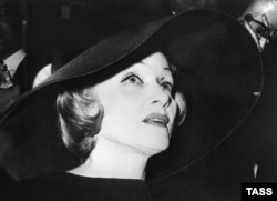 Актриса Марлен Дитрих, 1960 год
