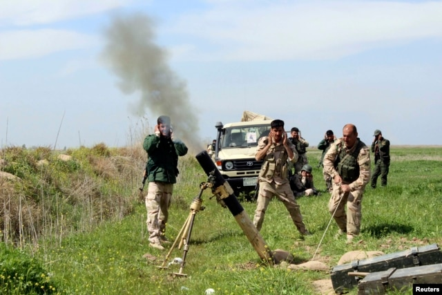Western governments have stopped short of supplying Peshmerga forces with any heavy weaponry. (file photo)