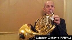 Asim Gadžo sa novim instrumentom