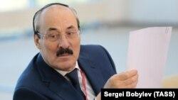 Родственники бывшего главы Дагестана обвиняются в ряде экономических преступлений