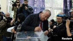 Апрели соли 2016 Шешел дар интихоботи Сербия овоз дод