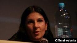 Жељана Бунтиќ-Пејаковиќ од хрватската невладина организација Цензура плус.