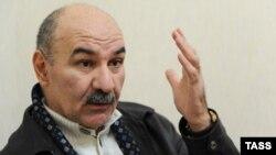 Свое рабочее место Кочиев должен был занять еще в прошлую пятницу, сразу после решения Верховного суда