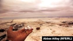 Duz səhrasına çevrilən Urmiya gölü