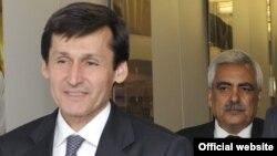 Türkmenistanyň daşary işler ministri Raşid Meredow (öňki planda)