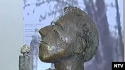 Памятник Осипу Мандельштаму будет соразмерен тихому московскому скверу и вписан в него