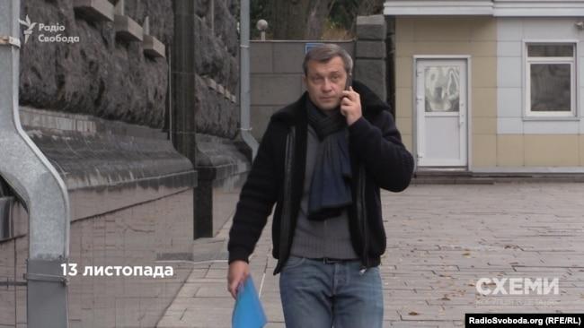 Бізнесмен Леонід Крючков під час візиту до АП «в особистих справах».