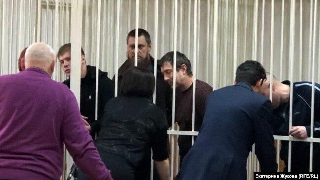 Телкин, Непомнящий и Гуськов в зале суда