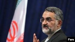 رییس کمیسیون امنیت ملی و سیاست خارجی مجلس به دستور مقابله با نیروهای ایرانی در عراق اعتراض کرد.