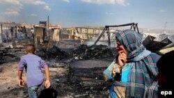 نازحون سوريون احترقت خيمهم في المرج شرق البقاع 01 حزيران 2015