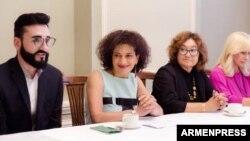 Анна Акопян (вторая слева), Москва, 24 июля 2018 г․