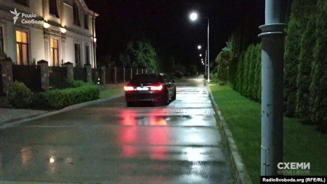 Кортеж Коломойського повернувся до маєтку Тимошенко