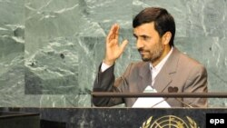 محمود احمدی نژاد در سخنان خود به اسرائیل و آمریکا حمله کرد.(عکس: EPA)
