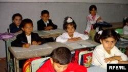 Valideynlər uşaqlarına məhz ingilis dili keçilməsinin tələb edirlər