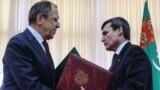 Türkmenistanyň daşary işler ministri Reşit Meredow (s) we Orsýetiň daşary işler ministri Sergeý Lawrow (ç), Aşgabat, 27-nji ýanwar, 2016.