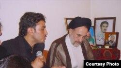 دیدار محمد خاتمی با خانواده کیانوش آسا از جانباختگان وقایع پس از انتخابات