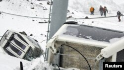 Последствия взрыва канатного подъемника в горах Кабардино-Балкарии
