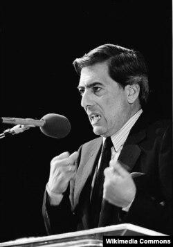 Mario Vargas Liosa, 1985
