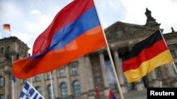 Нижняя палата парламента Германии приняла резолюцию, в которой назвала массовые убийства армян во времена Османской империи геноцидом