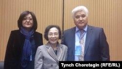Профессорлор Жылдыз Орозобекова, Лаң Йиң жана Сулайман Кайыпов.