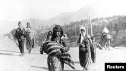 Одна из фотографий очевидца Геноцида армян, немецкого офицера Армина Вегнера, на которой изображена семья армянских беженцев