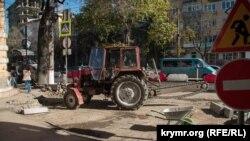 Ремонт доріг у Сімферополі, архівне фото