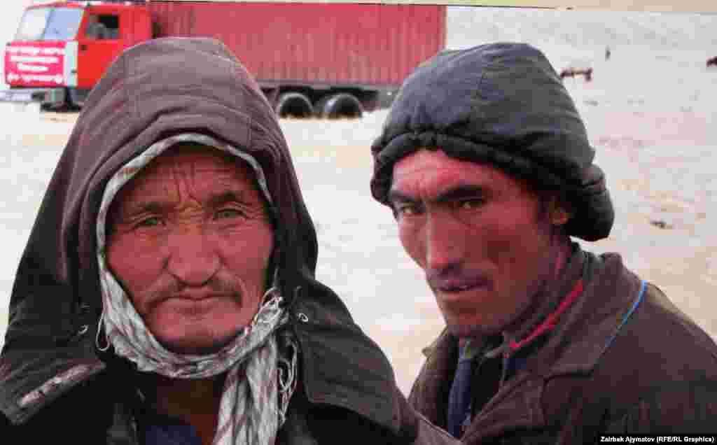 На выставке представлены фотографии четырех участников экспедиции на Памир.
