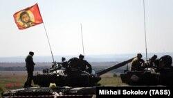 Боевики на учениях под Шахтерском (оккупированная территория Донецкой области), 2016 год