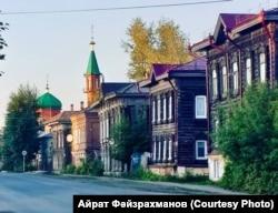 Томскидагы татар бистәсе һәм Кызыл мәчет манаралары