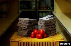 Хто на есьць мяса, можа набыць 1 кг памідораў за 5 млн або 76 цэнтаў.