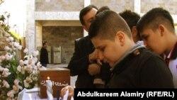 قداس في كنيسة القديسة تيريزا بالبصرة (من الارشيف)