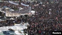Təhrir meydanı, 8 fevral, 2011